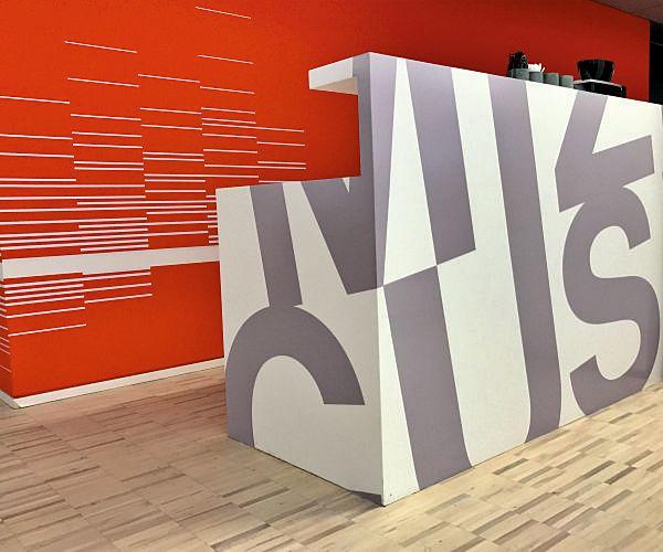 folien-beschriftungen-logos-moebeldesign-oberflächendesign-pixelumpixel